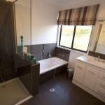 Stockton Rise main bathroom